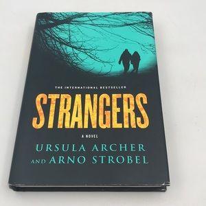Strangers Book by Ursula Archer & Arno Strobel